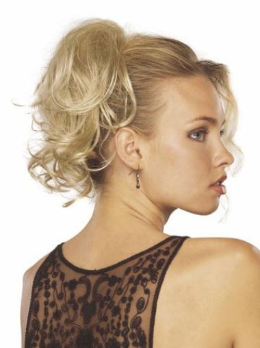 Blonde Wavy Clip in Hairpieces