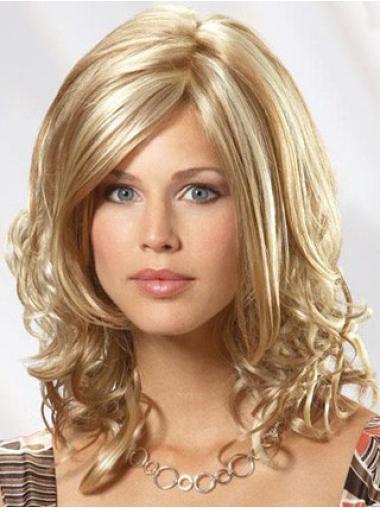 Gentle Blonde Wavy Shoulder Length Wigs For Cancer