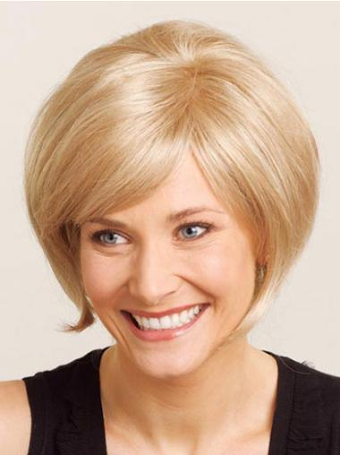 Pleasing Blonde Straight Chin Length Wigs