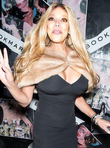 """Wendy Williams 24"""" Wavy Long Synthetic"""