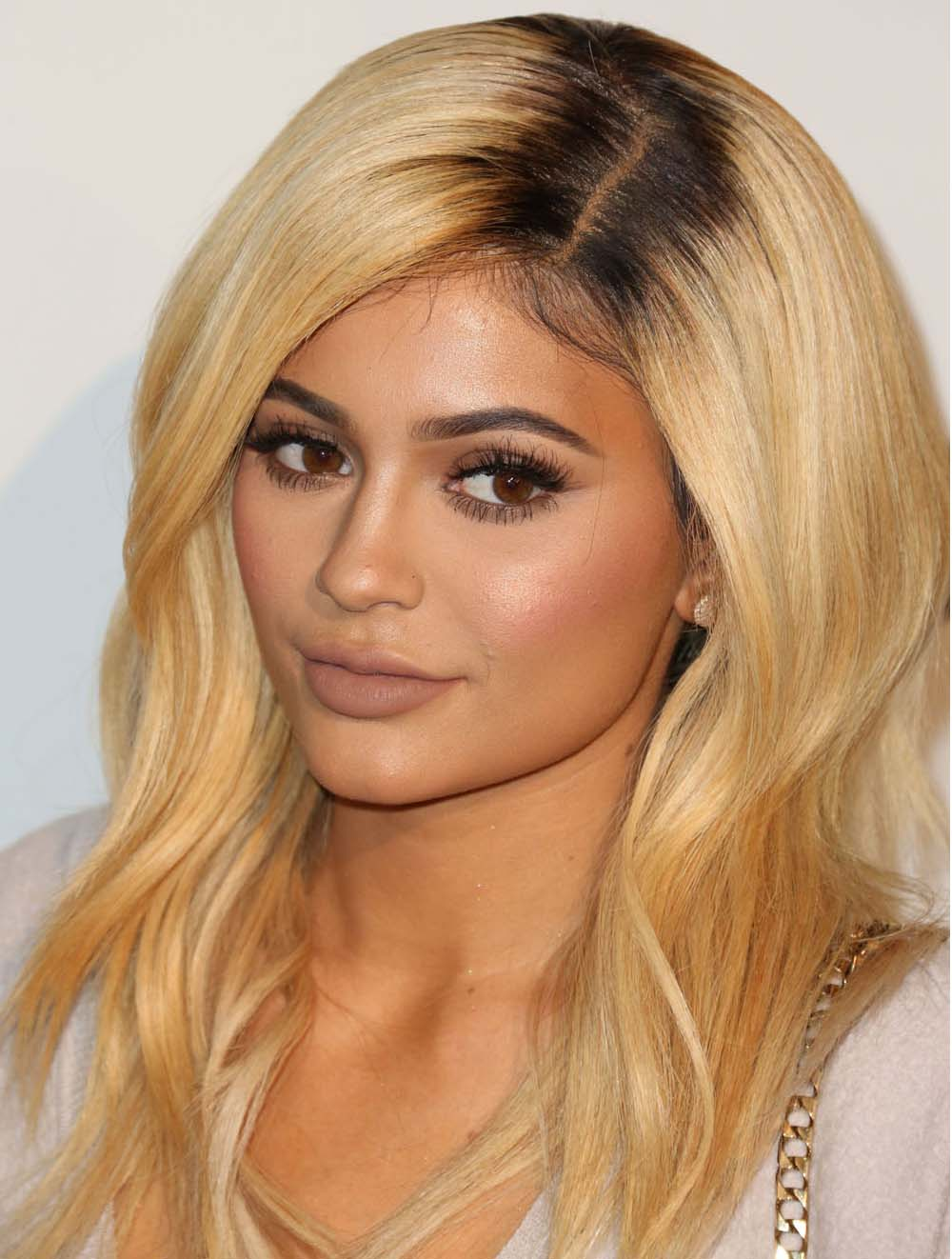 Affordable Long Wavy Blonde Layered Kylie Jenner Inspired Wigs