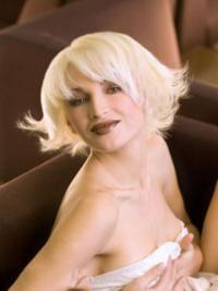 Young Fashion Platinum Blonde Sexy Chin Length Wavy Capless Synthetic Wigs